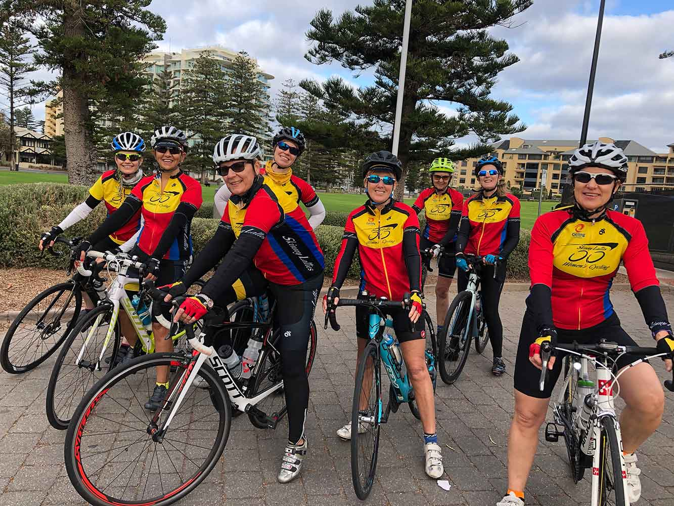 Skinny-Lattes-Cycling-Group2